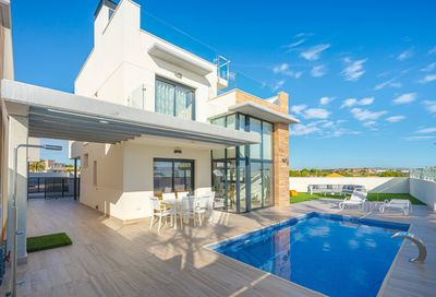 Ref:YMS4 Villa For Sale in Cabo Roig