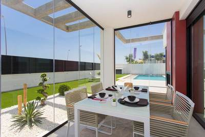 YMS53: Villa for sale in Los Alcazares