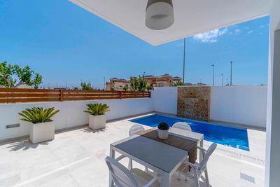 YMS250: Villa for sale in Torre de la Horadada