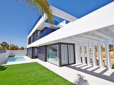 Ref:YMS259 Villa For Sale in Cabo Roig