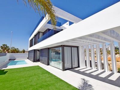YMS259: Villa in Cabo Roig