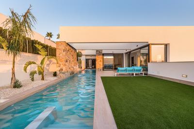 YMS343: Villa for sale in Benijófar