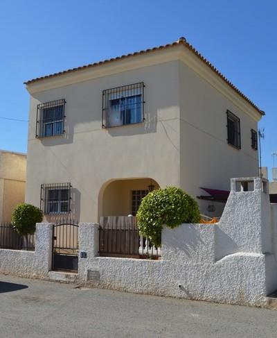YMS353: Villa for sale in Los Alcazares