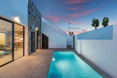 YMS420: Villa for sale in Pilar de la Horadada
