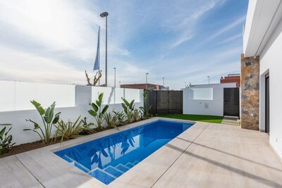 YMS421: Villa for sale in Pilar de la Horadada