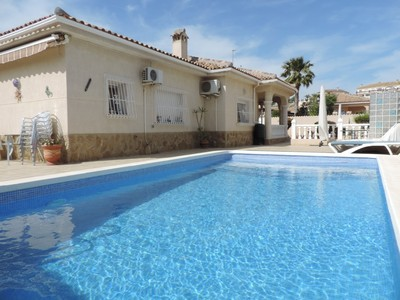Ref:YMS538 Villa For Sale in Lo Santiago