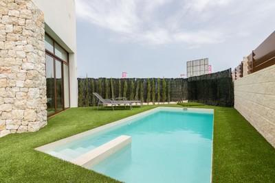 YMS550: Villa for sale in Benijófar