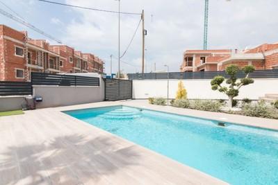 YMS560: Villa for sale in Finestrat