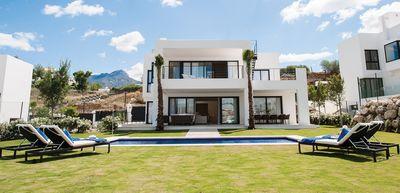 YMS592: Villa for sale in Nueva Andalucía