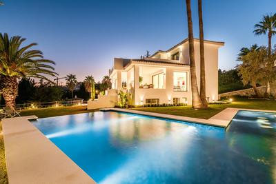 YMS600: Villa in Nueva Andalucía