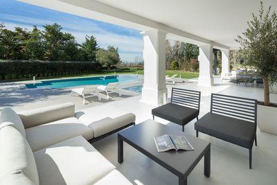 YMS602: Villa for sale in Sierra Blanca