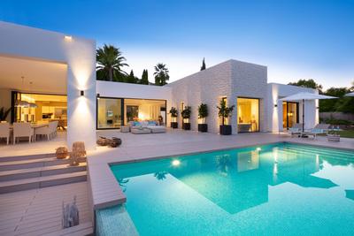 YMS603: Villa in Nueva Andalucía