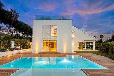 YMS607: Villa in Nueva Andalucía
