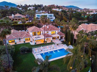YMS613: Villa for sale in Nueva Andalucía