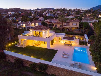 YMS614: Villa in Nueva Andalucía