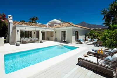 YMS615: Villa in Nueva Andalucía
