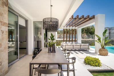 YMS954: Villa for sale in Santa Clara Golf