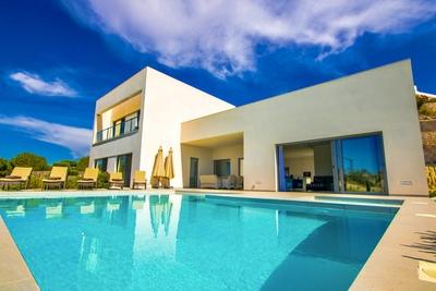 Ref:YMS745 Villa For Sale in Las Colinas Golf Resort